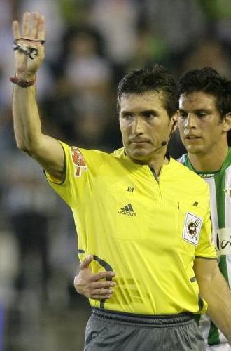 Rodríguez Santiago no arbitrará en Primera.