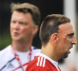 Ribéry junto a Van Gaal en el entrenamiento del Bayern.