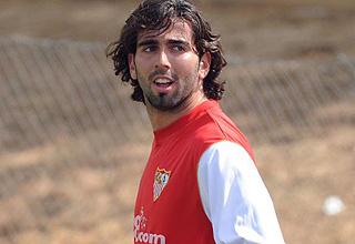 Crespo durante un entrenamiento con el Sevilla