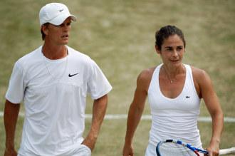 Stephen Huss y Vivi Ruano en un partido de dobles en Wimbledon.