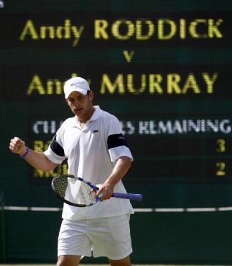 Andy Roddick durante su partido ante Andy Murray.