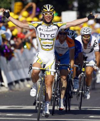 Mark Cavendish celebrando su victoria.