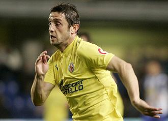Nihat jugando con el Villarreal