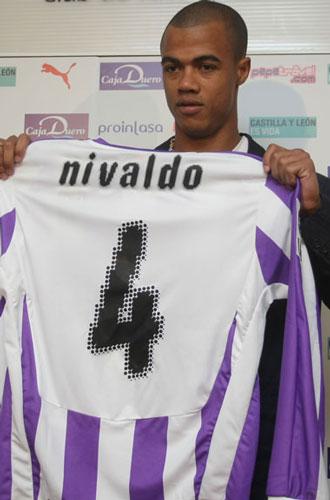 Nivaldo durante su presentación con el Real Valladolid