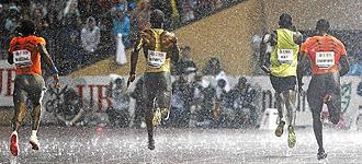 La fuerte lluvia no frenó a Bolt