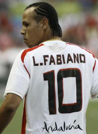 Luis Fabiano puede cambiar de aires y de Liga.