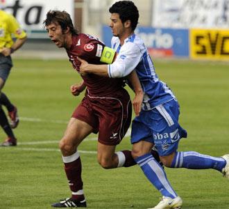 Ángel Dealbert, en un partido en su etapa en el Castellón contra el Alavés
