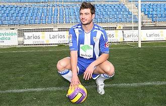 Tiago Gomes llegó a presentarse con el Málaga la temporada pasada.