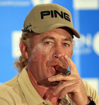 Jim�nez celebr� su lidertao con un puro.