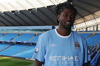 Emmanuel Adebayor, flamante fichaje del Manchester City