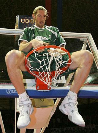 Hermann celebra un título en su pasada etapa en Málaga.