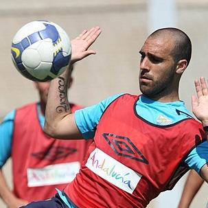 Gámez durante un entrenamiento con el Málaga
