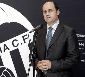Fernando Gómez, en una rueda de prensa con el Valencia