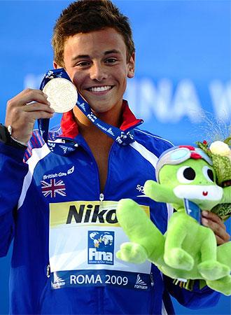 Daley, sonriete tras conseguir el primer oro de Gran Bretala en este Mundial.