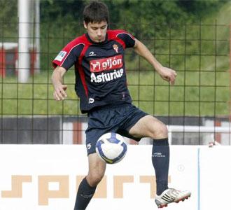 Roberto Canella, en un entrenamiento con el Sporting de Gijón de esta pretemporada