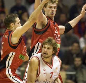 Macijauskas, en un partido con el Olympiacos frente a su ex equipo