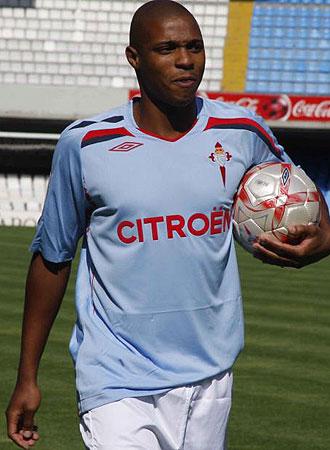 Fernándes, durante el acto de su presentación con el Celta de Vigo