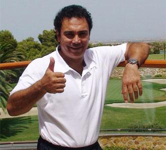 Hugo Sánchez, entrenador del Almería, en la concentración del club andaluz en tierras murcianas