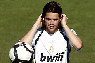 Fernando Gago, relajado durante un entrenamiento del Real Madrid esta pretemporada.