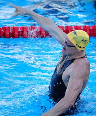 Brenton Rickard celebra su récord mundial.