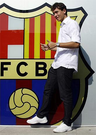 El delantero brasileño Keirrison, en su presentación con el Barcelona.