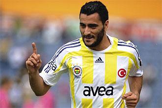 Dani Güiza celebra en gol con el Fenerbahce la temporada pasada.