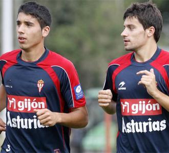 """José Ángel """"Cote"""" y Canella, en un entrenamiento de esta pretemporada con el Sporting de Gijón"""