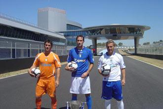 Vicente Moreno, Anto�ito y Mario Bermejo luciendo las nuevas equipaciones en el Circuito de Velocidad