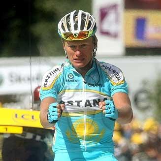 Vinokourov celebra una victoria en el Tour de 2007