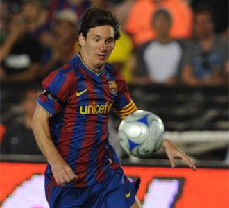 Lionel Messi controla un balón en el encuentro entre el FC Barcelona y Los Ángeles Galaxy disputado el pasado sábado