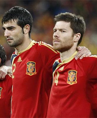Albiol y Xabi Alonso jugarán juntos en el Real Madrid.