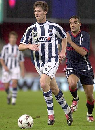 Xabi Alonso, durante su etapa en la Real Sociedad.