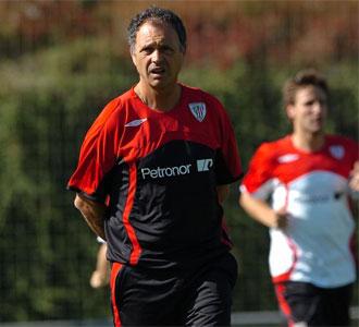 Joaqu�n Caparr�s, en un entrenamiento con el Athletic de Bilbao