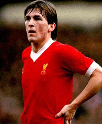 Kenny Dalglish, durante un partido con el Liverpool