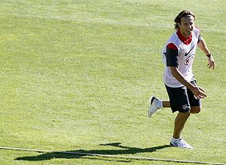 Forlán en un entrenamiento del Atlético