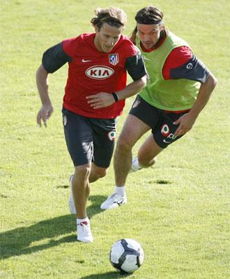 Forlán, en el entrenamiento Atlético.