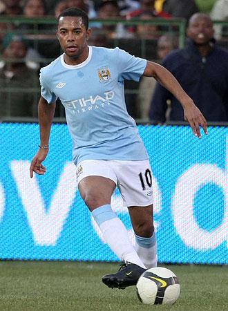 Robinho durante un partido con el City