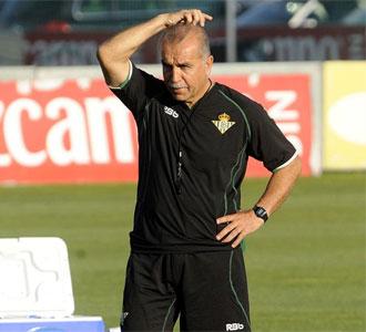 Antonio Tapia, en un entrenamiento con el Betis durante esta pretemporada