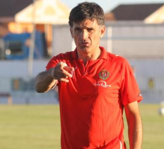 Jos� Luis Mendilibar durante un entrenamiento.