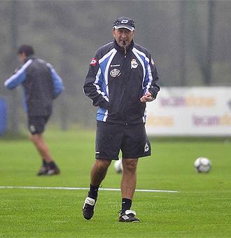 Miguel �ngel Lotina durante un entrenamiento.