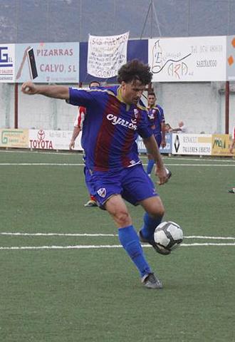 Mois�s no ha perdido su olfato goleador y volvi� a marcar con el Huesca en Arnedo, como ya hizo en Sabi��nigo