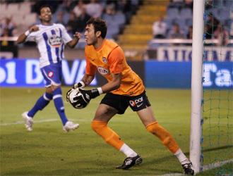Roberto fue el gran protagonista del choque al parar dos penaltis.