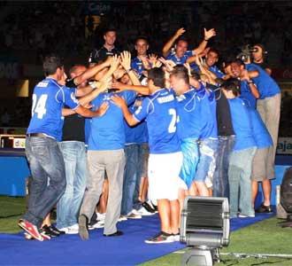 Los jugadores del Xerez celebran el ascenso a Primera