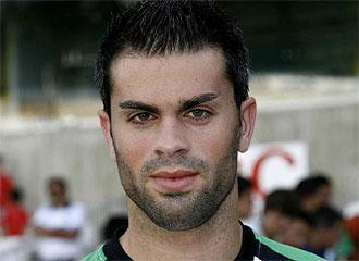 Torrejón, en la presentación con el Racing.