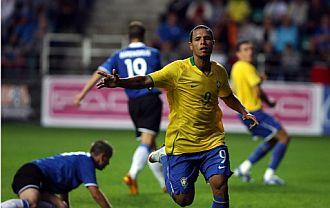 Luis Fabiano marcó el único gol del partido.