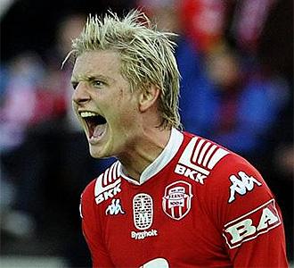 Erik Huseklepp celebra un gol con el Brann.