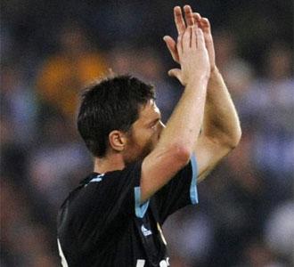 Alonso respondió a la ovación de Anoeta con aplausos