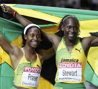 Las jamaicanas celebrando sus medallas