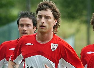 Amorebieta se entrena con el Athletic.