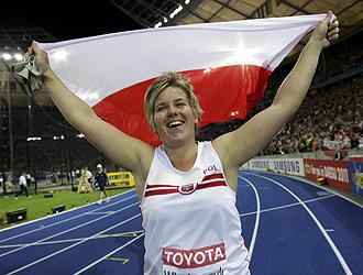 Anita Wlodarczyk celebra su record del mundo